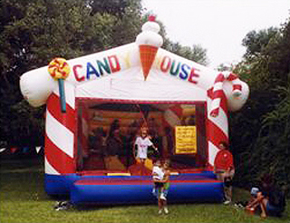 Candy House Bounce (18' x 21')